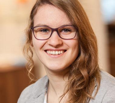 Degener ·Hörakustik & Augenoptik · Celine Helsberg